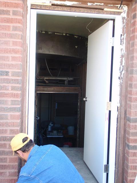 звукоизоляция для железной двери